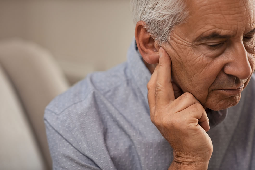 Older adults concerned about displaying early symptoms of Alzheimer's disease should also consider a hearing check-up, suggest recent findings.